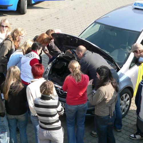 Ukázka výuky praktické údržby vozidla 10